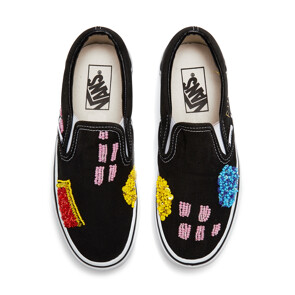 STYLE ABSTRACT SLIP ON (BLACK)